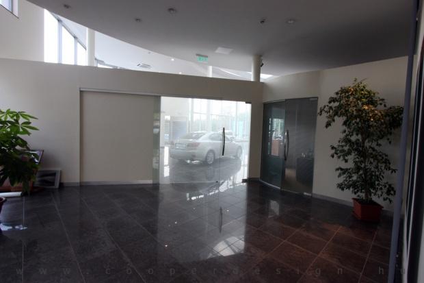 Lexus Buda autószalon belsőépítészete 27