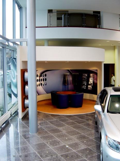 Lexus Buda autószalon belsőépítészete 57