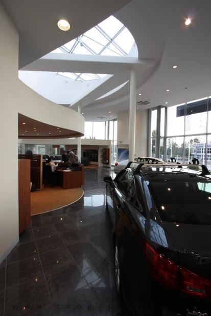 Lexus Buda autószalon belsőépítészete 39