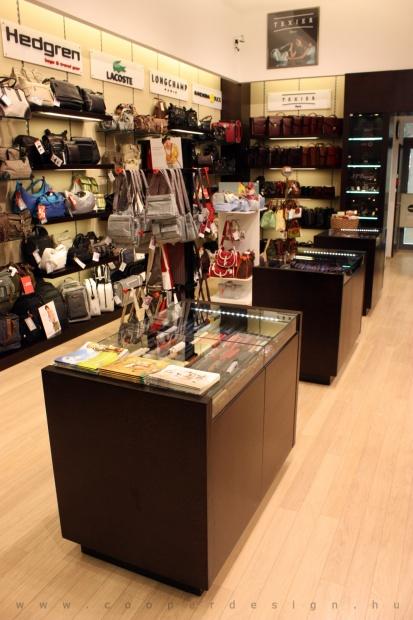 Reálszisztéma Menedzser Shop belsőépítészete 22