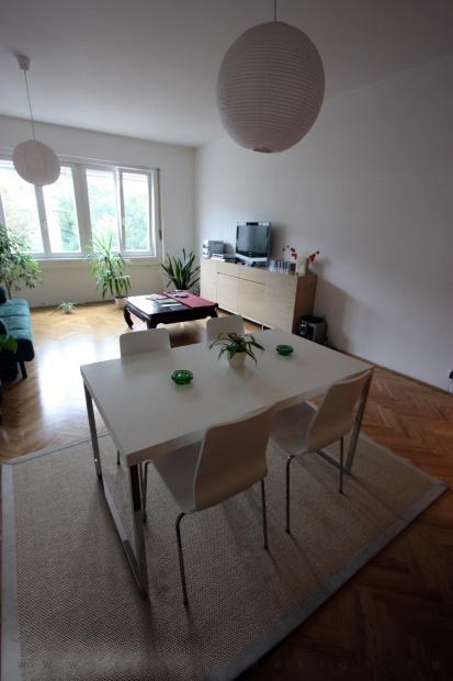 garzonlakás belsőépítészete, nappali-étkező