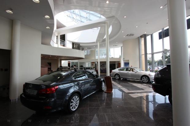 Lexus Buda autószalon belsőépítészete 60