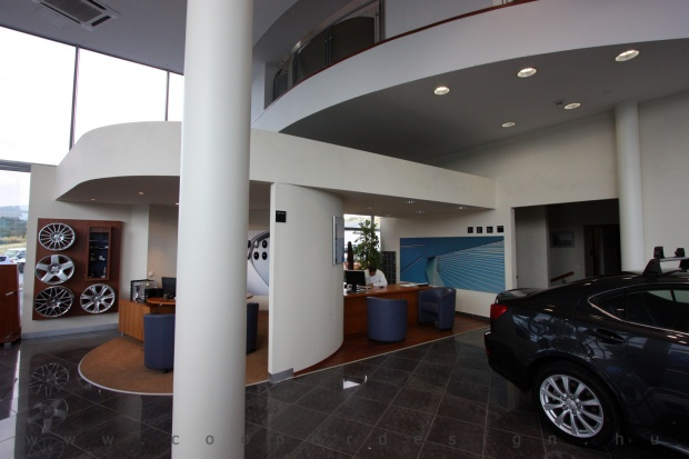 Lexus Buda autószalon belsőépítészete 3