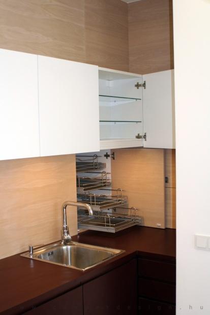 garzonlakás belsőépítészete, rejtett konyhai tároló