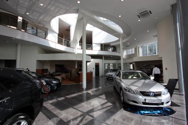 Lexus Buda autószalon belsőépítészete 13