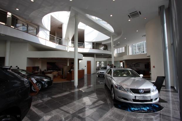 Lexus Buda autószalon belsőépítészete 69