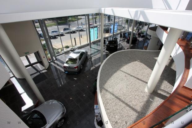 Lexus Buda autószalon belsőépítészete 35