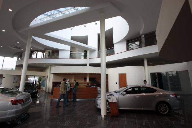 Lexus Buda autószalon belsőépítészete 6