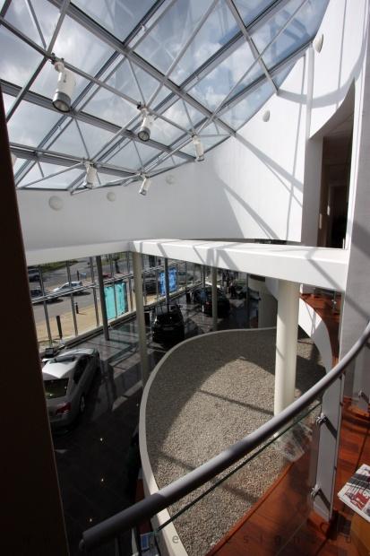 Lexus Buda autószalon belsőépítészete 71