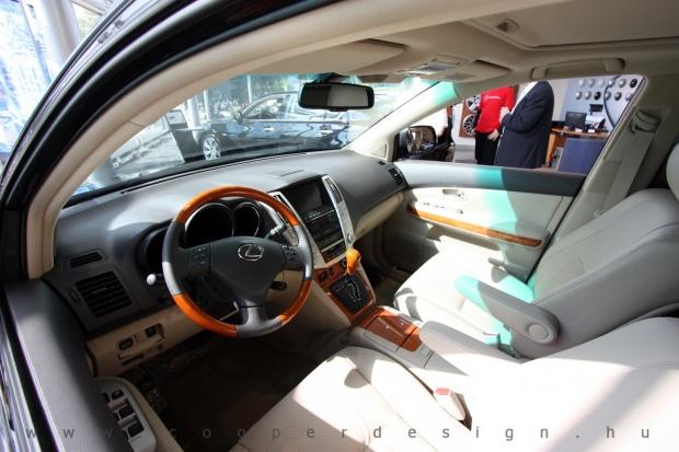 Lexus Buda autószalon belsőépítészete 40