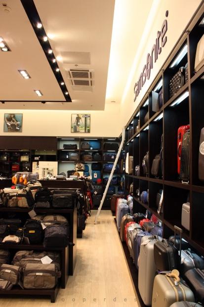 Reálszisztéma Menedzser Shop belsőépítészete 17