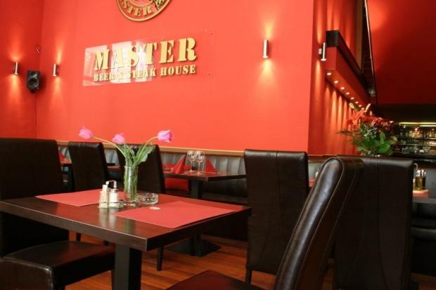 MAster Beer and Steakhouse belsőépítészete