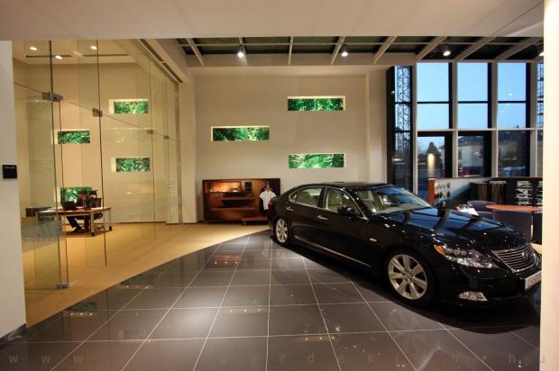 Lexus Pest autószalon belsőépítészet 5