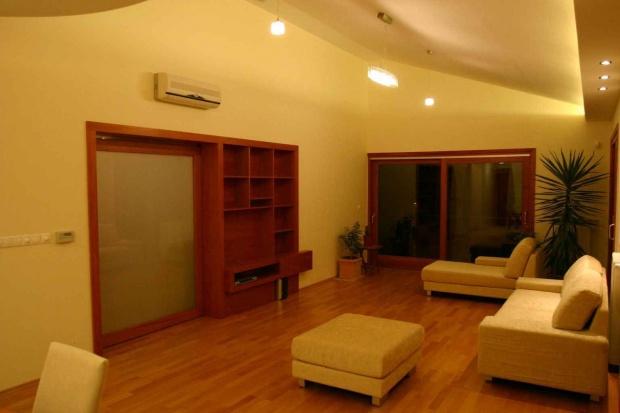lakás belsőépítészete, nappali este