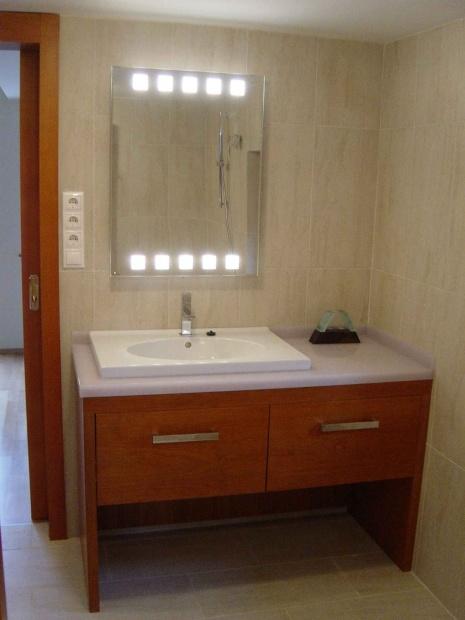 lakás belsőépítészete, egyedi tervezésű mosdópult