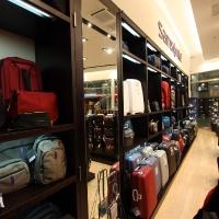Reálszisztéma Menedzser Shop belsőépítészete 23