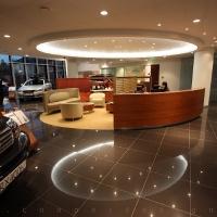 Lexus Pest autószalon belsőépítészet 8