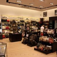 Reálszisztéma Menedzser Shop belsőépítészete 24