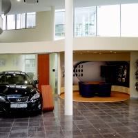 Lexus Buda autószalon belsőépítészete 47