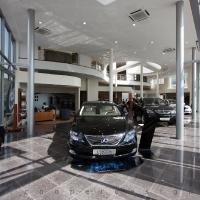 Lexus Buda autószalon belsőépítészete 56
