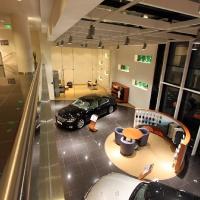 Lexus Pest autószalon belsőépítészet 16