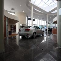Lexus Buda autószalon belsőépítészete 21