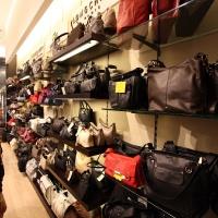 Reálszisztéma Menedzser Shop belsőépítészete 30