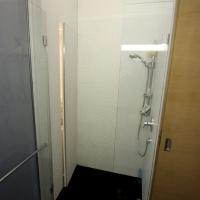 garzonlakás belsőépítészete, zuhanyfülke 2