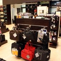Reálszisztéma Menedzser Shop belsőépítészete 3