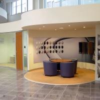 Lexus Buda autószalon belsőépítészete 54