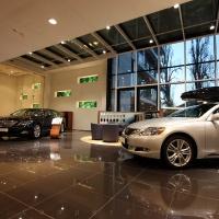 Lexus Pest autószalon belsőépítészet 6