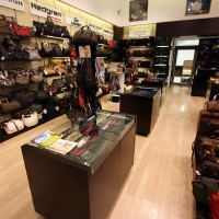 Reálszisztéma Menedzser Shop belsőépítészete 35
