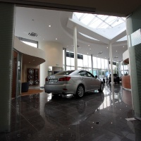 Lexus Buda autószalon belsőépítészete 16