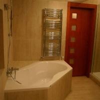 fürdőszoba belsőépítészete, sarokkád