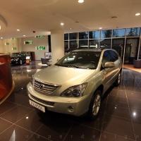 Lexus Pest autószalon belsőépítészet 12