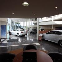 Lexus Buda autószalon belsőépítészete 32