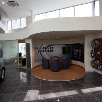 Lexus Buda autószalon belsőépítészete 9